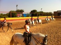 Clase de equitación niños