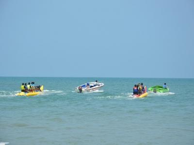 Noleggio catamarano e banana boat a Gandía