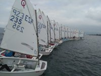 On the starting line to start the regatta through the waters of Vigo
