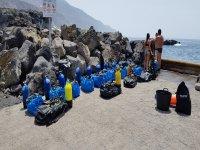 Equipo de buceo preparado para inmsersiones en aguas abiertas