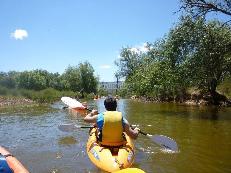 Kayak en el rio