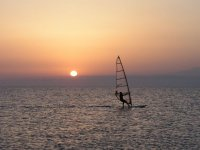 windsurf atardeciendo.