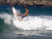 subiendo la ola.