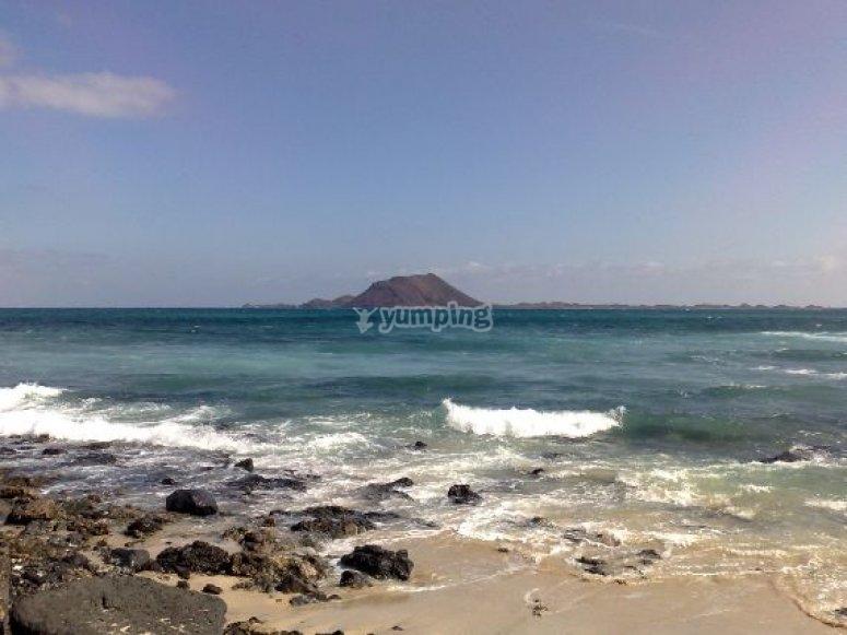 olas en la isla.