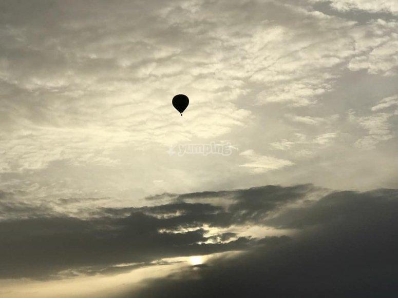 在气球中飞行