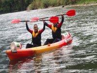 来自Arriondas的皮划艇的塞利亞河下降