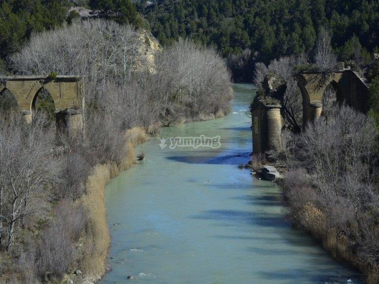 Ruinas del antiguo puente
