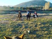 Amigas duarante la ruta a caballo