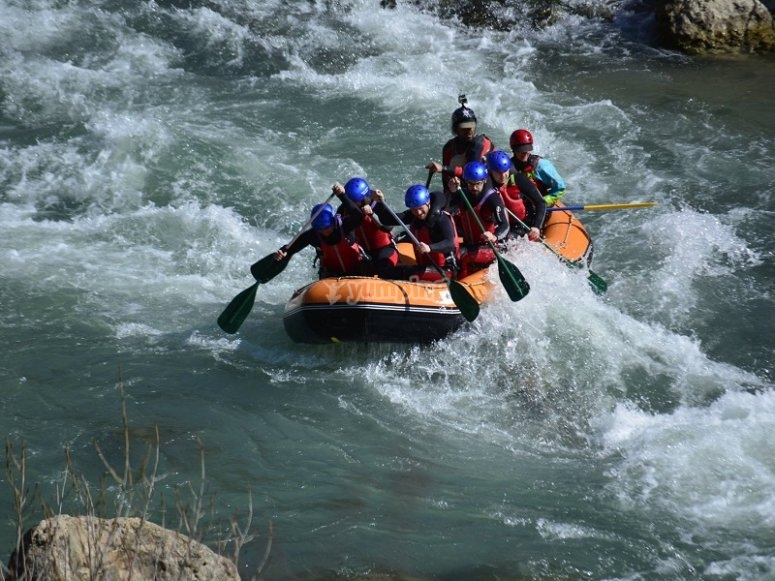 Rapids of the Gallego river rafting