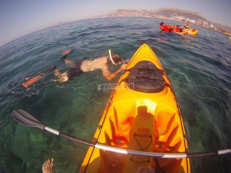 snorkel con kayak en peñón de Ifach