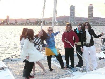 Salida en catamarán en Barcelona en exclusiva, 3h.
