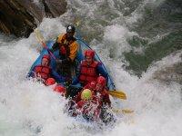 Frenética sesión de rafting