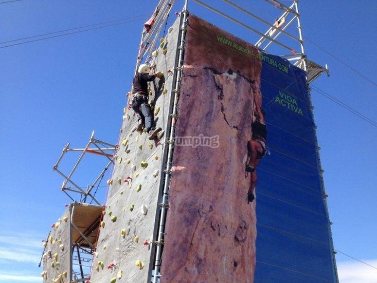 Climbing wall in Lagunas de Ruidera