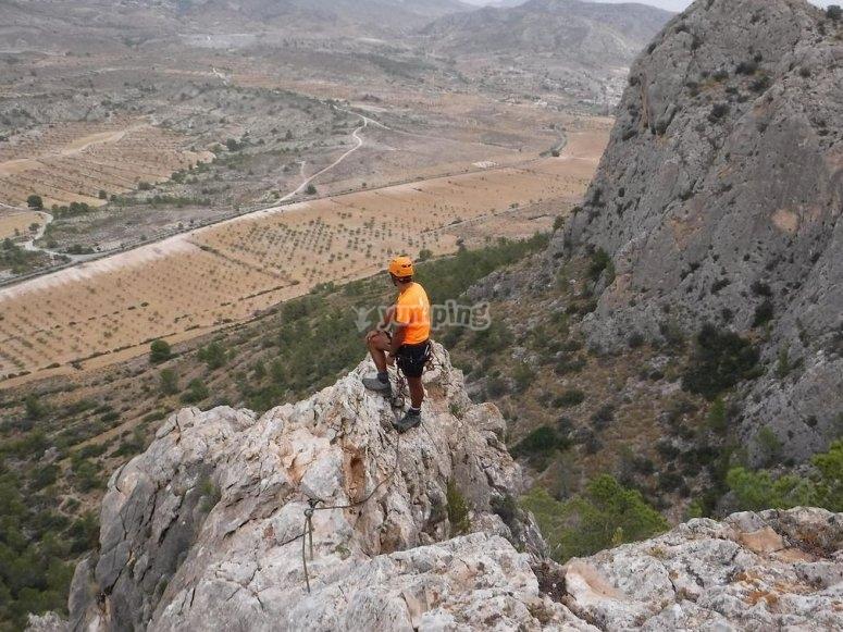 Caminando por la cresta del monte