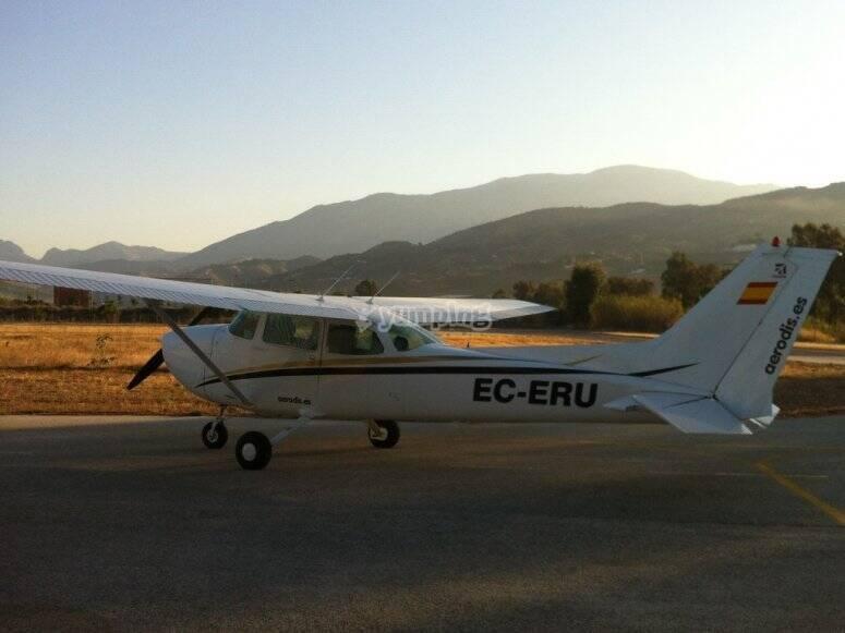 Vola in aereo leggero attraverso Malaga