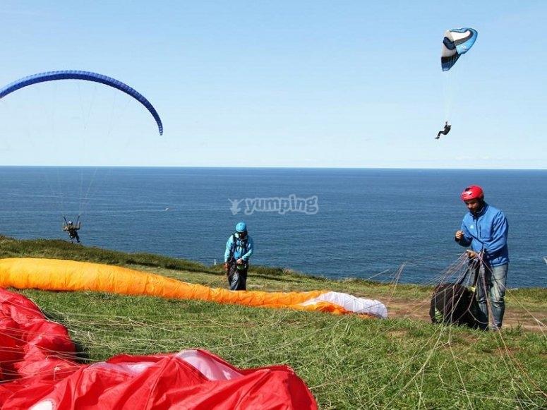 Sobrevolando en parapente Costa de Sopelana