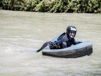 Haciendo hidrospeed en el rio cordobes