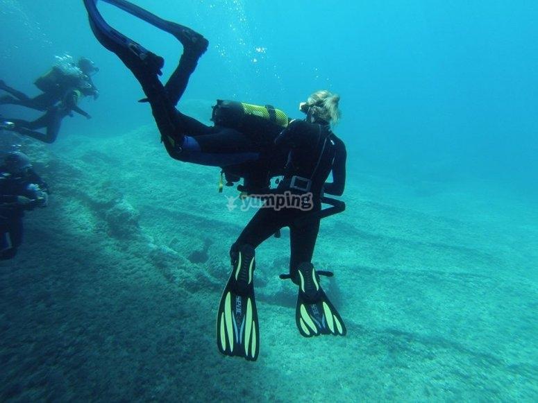 学习潜水技术