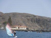 Clase privada de windsurf en Las Américas