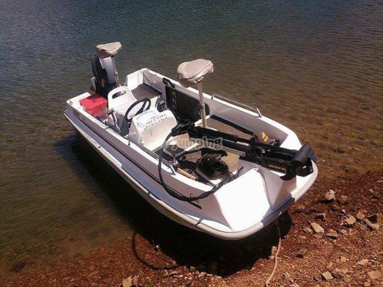 Alquila barca para pescar en Cíjara