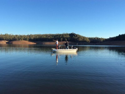 Boat rental for fishing, Cíjara reservoir 1 day