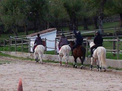 Lunada a caballo en Miraflores de la Sierra, 2h30m