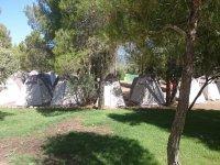 睡在帐篷里