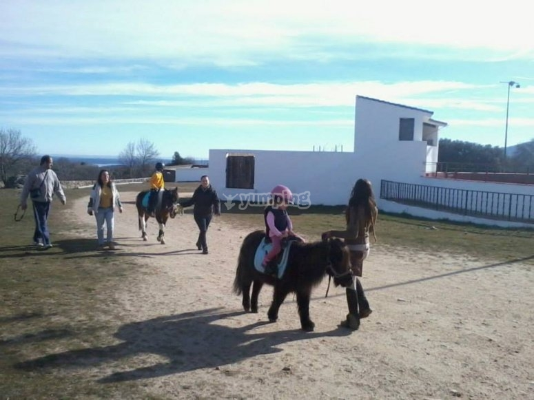 Giro in pony