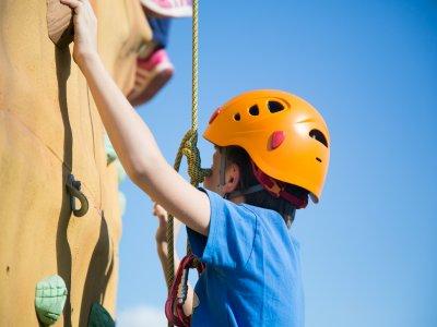 Parete da arrampicata e zip line, Almodóvar Río, scuole