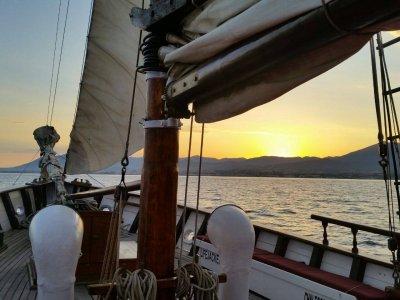 Navegar en velero Costa del Sol Otoño 3 horas
