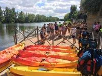 进入埃布罗(Ebro)我们的双人皮划艇队