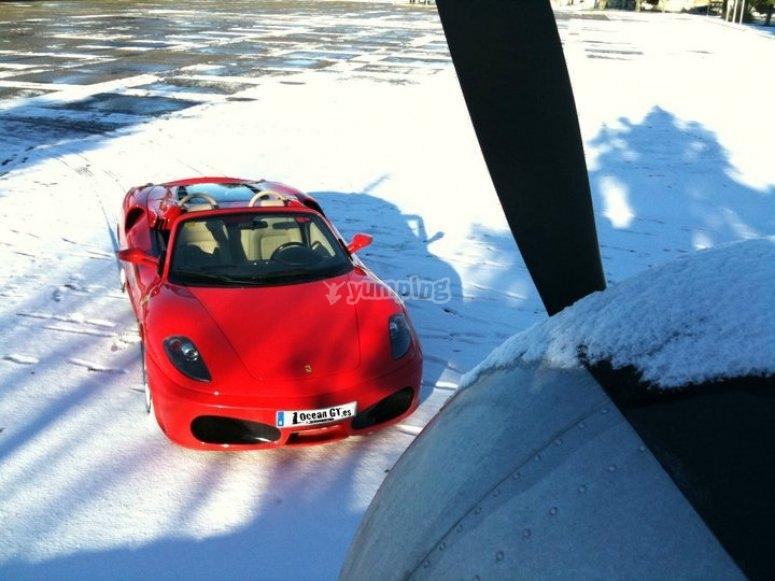 F430 Replica en la nieve