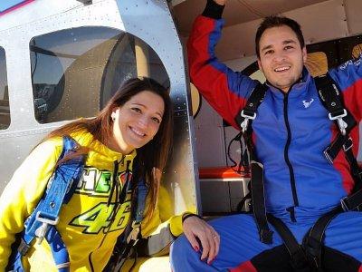 Salto paracaídas fotos y vídeo Madrid San Valentín
