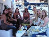 Amigas a bordo del catamarán