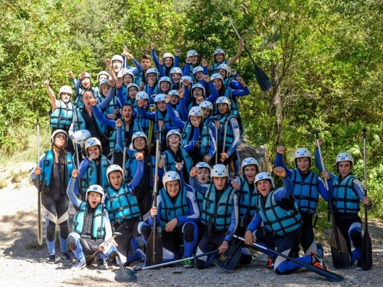 Numeroso grupo para rafting en Murillo de Gallego