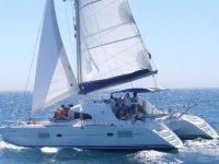Jornada navegando en el catamarán
