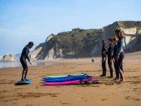 Curso de surf para niños en Sopelana