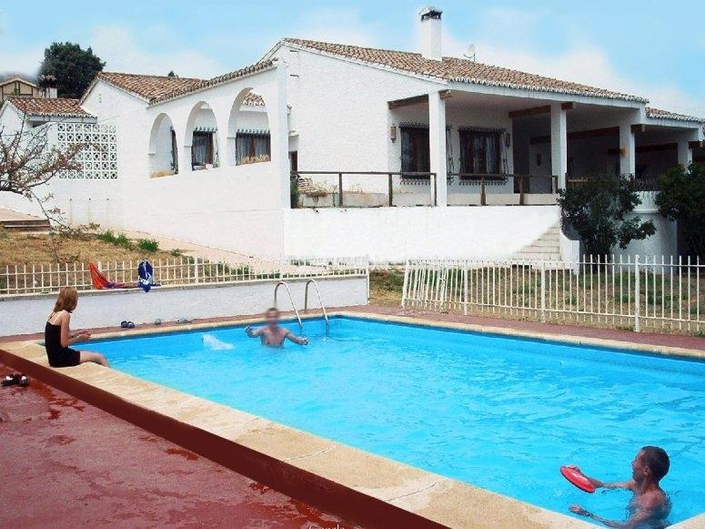 La piscina del albergue