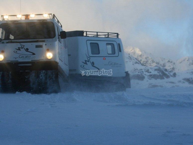 Salida en vehículo de nieve
