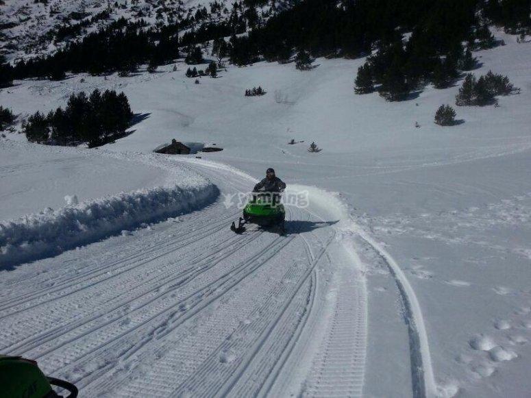Ruta en moto de nieve