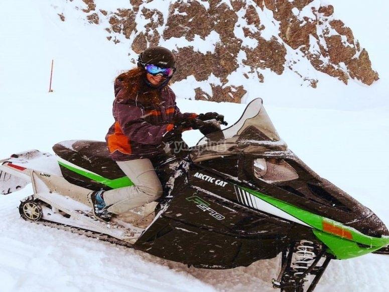 Paseo en moto de nieve por Andorra