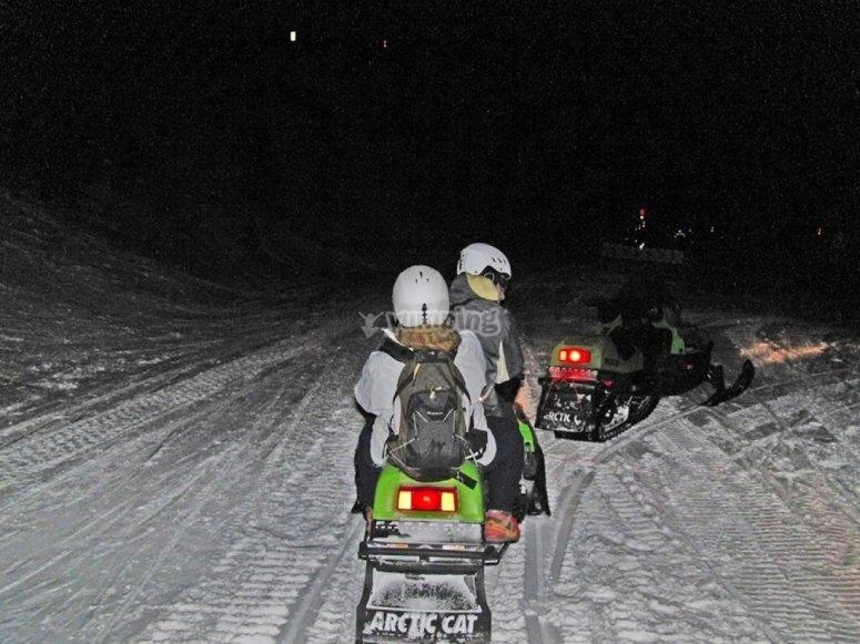 Experiencia de conducción moto de nieve Andorra