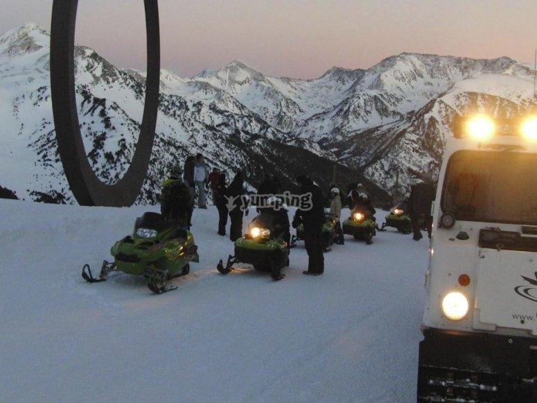 Tour en moto de nieve nocturna Andorra