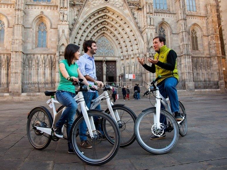 Ruta en bicis electricas en Barcelona