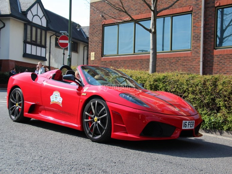 Lateral Ferrari Spyder