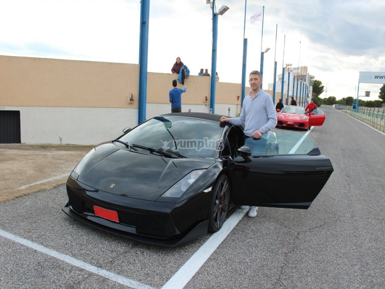 Lamborghini y piloto