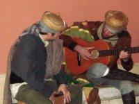 Momento para el toque y el cante de Bandoleros Tours
