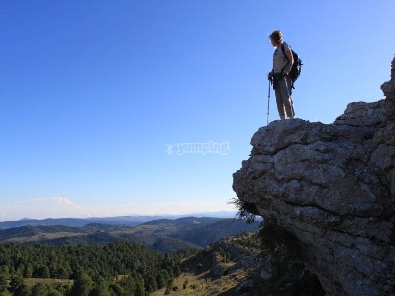 Contemplando las vistas desde la cima