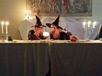 Brujas conjurando