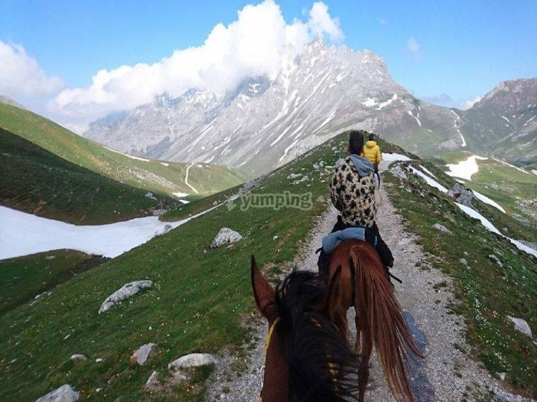 Ribadesella mountain climb on horseback